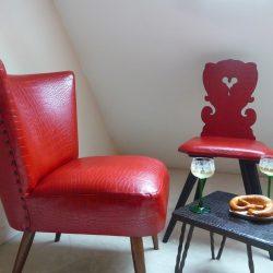 Chaise alsacienne et fauteuil vintage