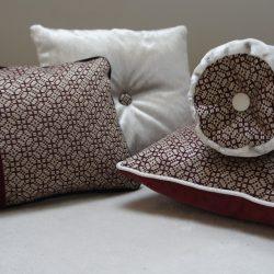 Coussin fourrure, velours et tissu