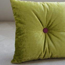 Coussin velours vert tendre