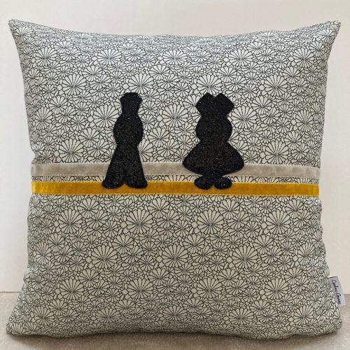 Coussin couple alsaciens 50x50cm
