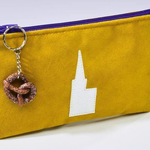 Pochette cathédrale en tissu doublé